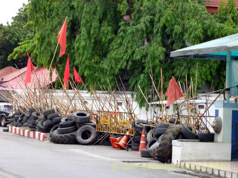 2010年の赤服騒動時のチェンマイのワットプラシン裏