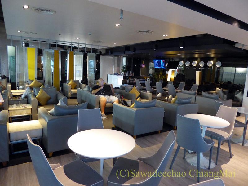バンコク・スワンナプーム空港ミラクルファーストクラスラウンジ概観