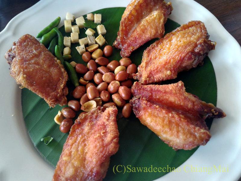 チェンマイのレストラン「ラムディーティークワデーン」のネームピックガイトート