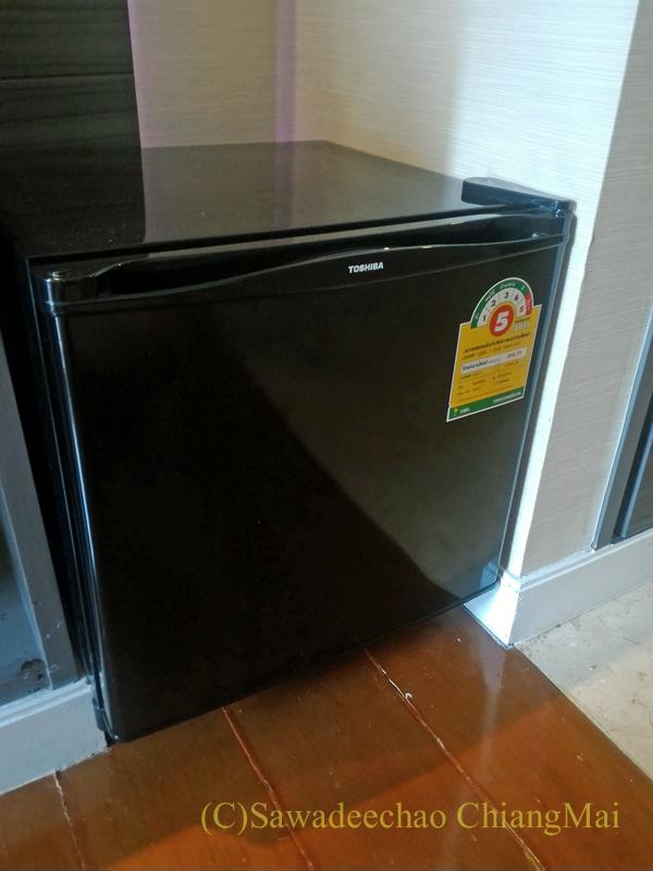 バンコクの中級ホテル、アモラネオラックススイーツの冷蔵庫