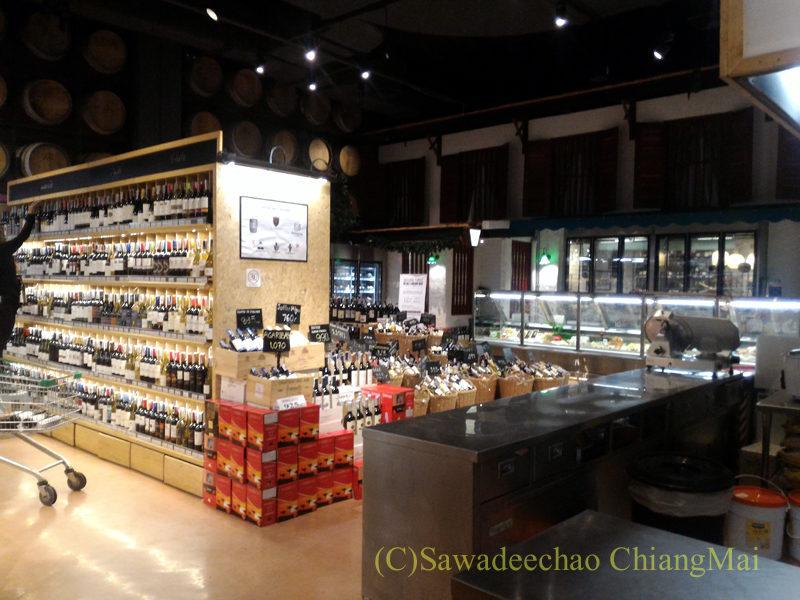 チェンマイのリムピンスーパー・プロムナーダ店の店内