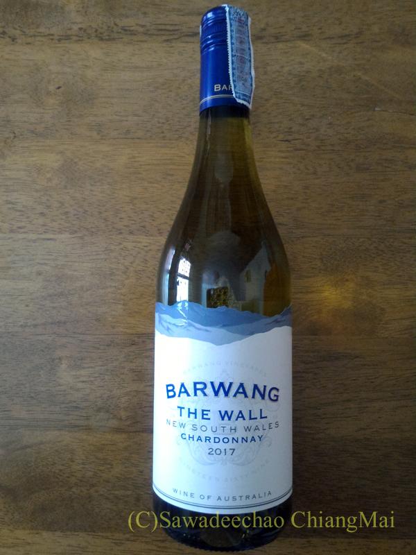 チェンマイのリムピンスーパーで買った白ワイン