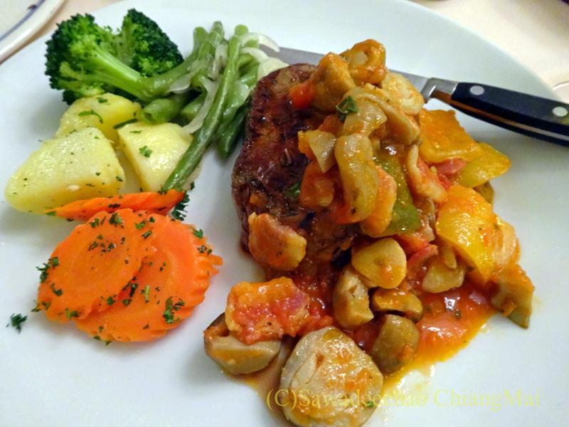 チェンマイのイタリア料理レストラン、ダ・アントニオのビーフステーキ