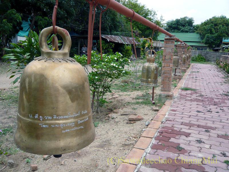 チェンマイにある廃寺、 ワットチェディプローンの釣鐘