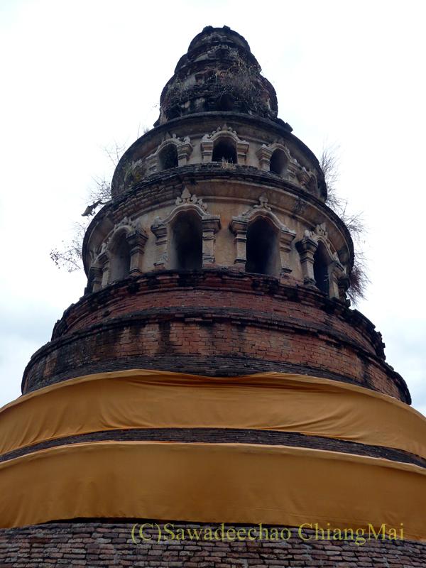 チェンマイにある廃寺、 ワットチェディプローンの上部