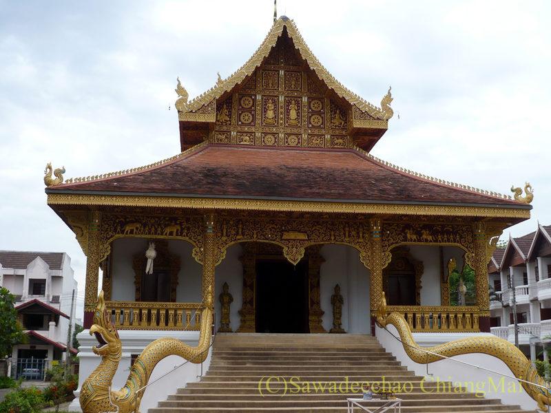 チェンマイにある廃寺、 ワットチェディプローンの隣にあるワットチェンチョーム