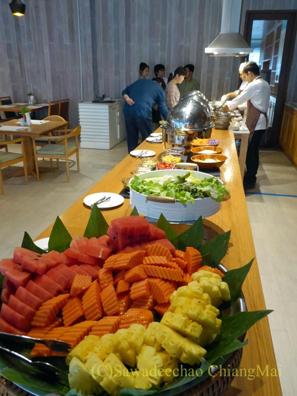 タイ北部、ピサヌロークにあるザ・パークホテルの朝食コーナー