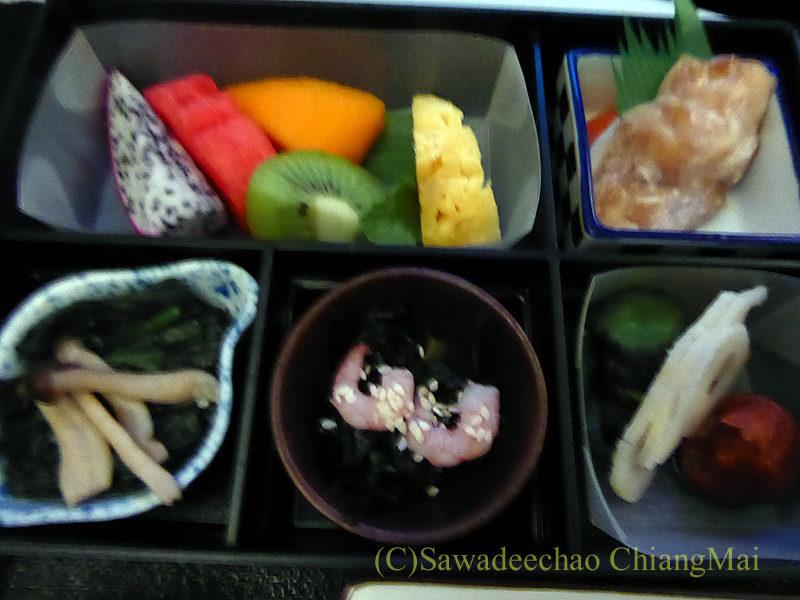日本航空JL724便のビジネスクラスで出た朝食の前菜