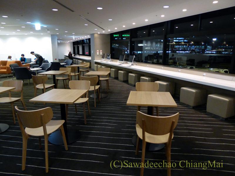 成田空港のカンタス航空ビジネスラウンジ概観