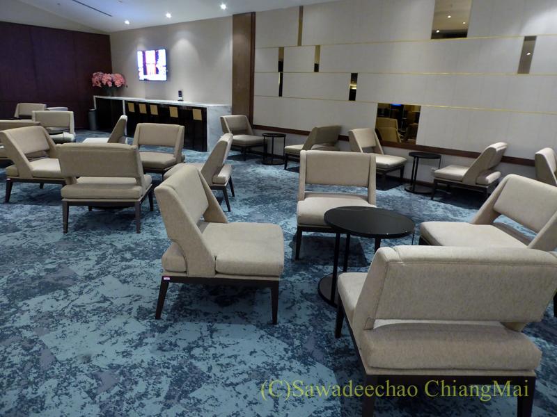 クアラルンプール空港マレーシア航空ゴールデンラウンジのソファ席