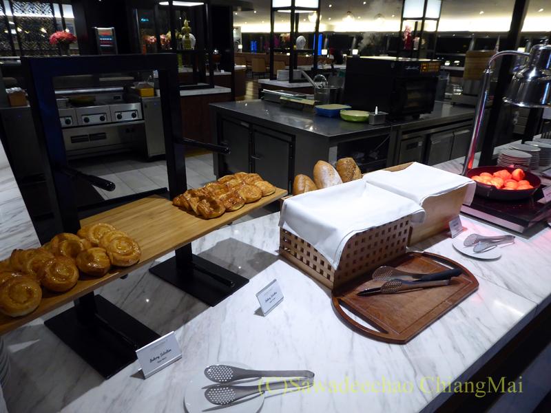 クアラルンプール空港マレーシア航空ゴールデンラウンジのパンコーナー