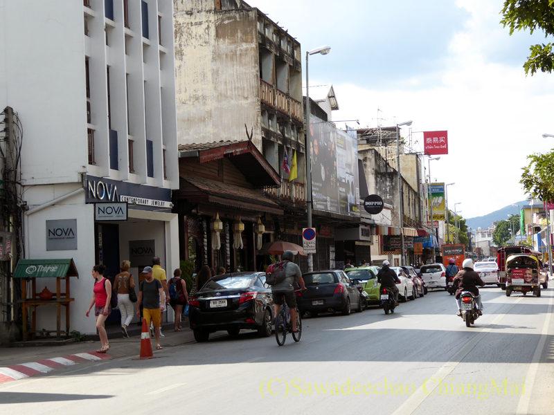 チェンマイ中心部のターペー通り