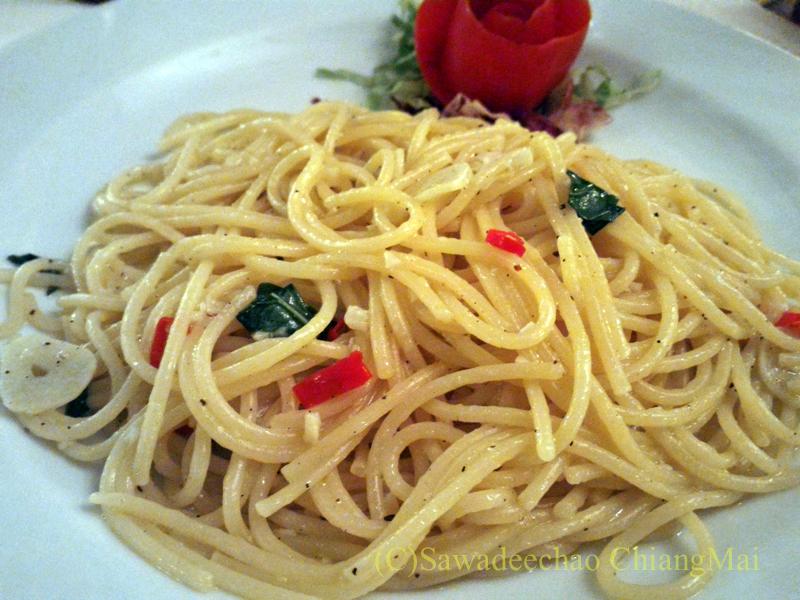 チェンマイのイタリア料理レストラン、ダ・アントニオのペペロンチーノ