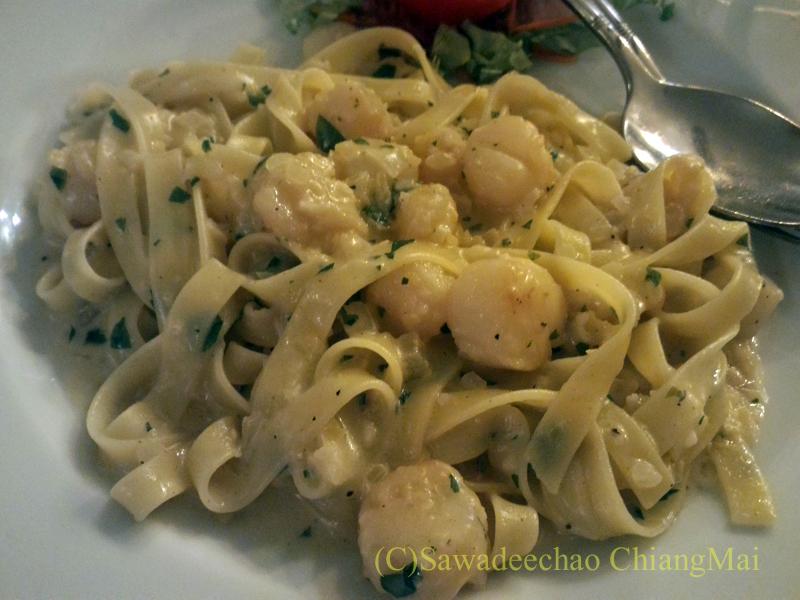 チェンマイのイタリア料理レストラン、ダ・アントニオのフェットチーネ