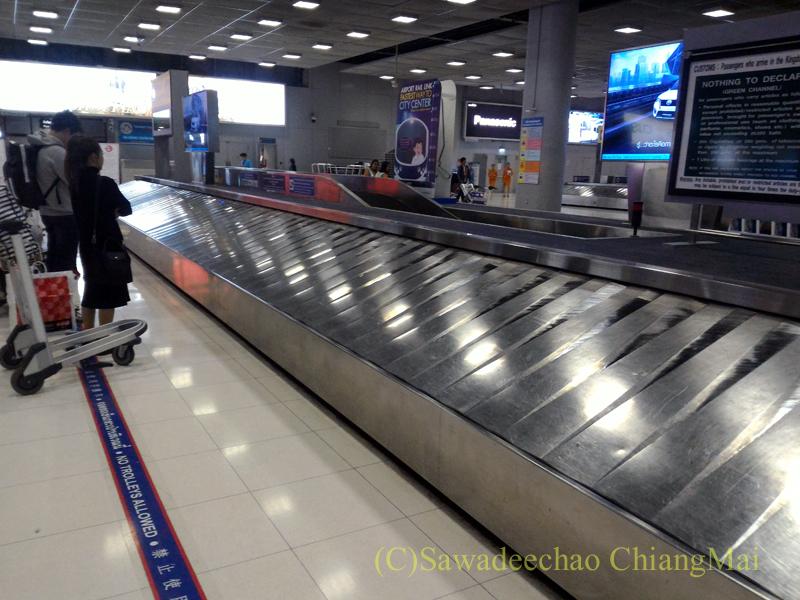 バンコク・スワンナプーム空港の荷物受け取りベルト
