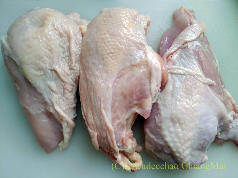 チェンマイのビッグCエクストラで買った鶏肉