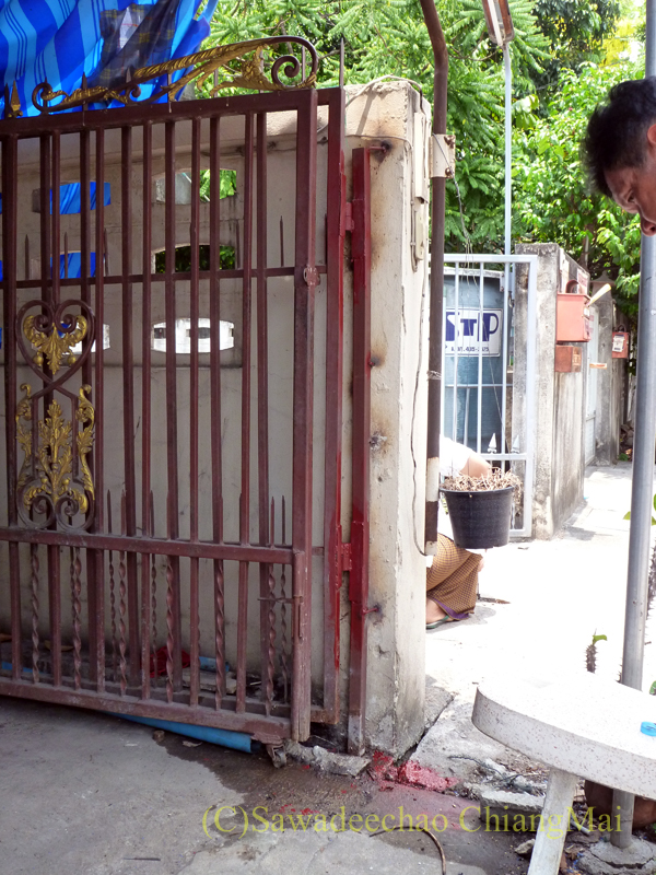 チェンマイの自宅の修理が終わった門扉