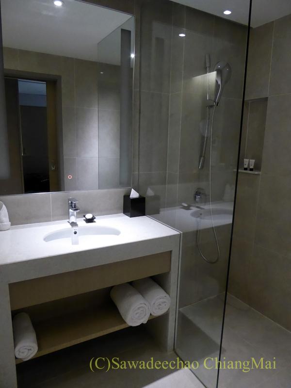 クアランプールのホテル、メルキュールクアラルンプールショーパレードのバスルーム
