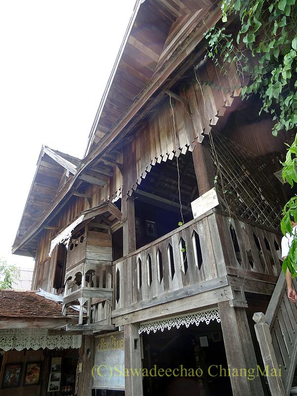 チェンマイにある北タイ料理レストラン、フアンチャイヨーンの古民家