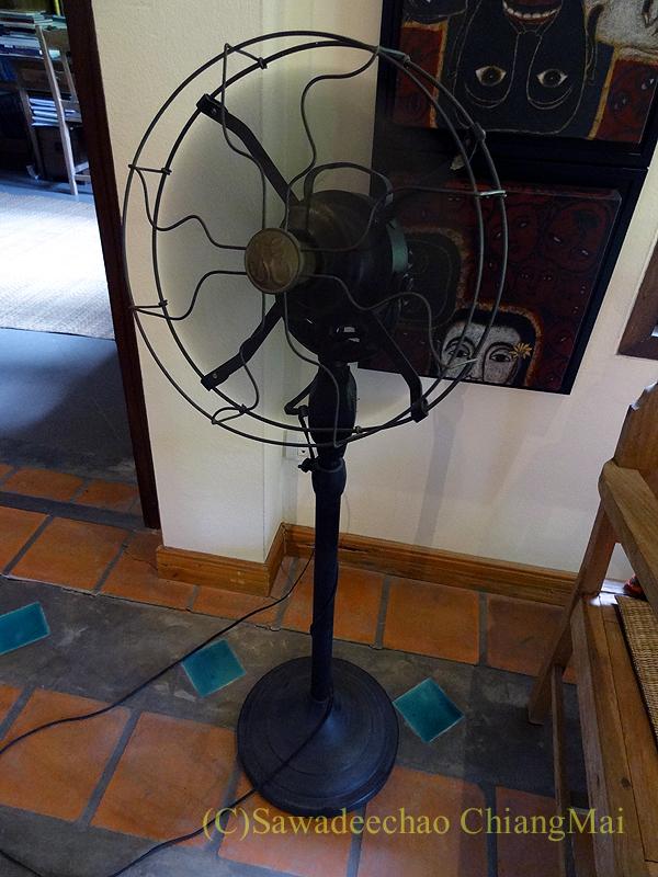 チェンマイにある北タイ料理レストラン、フアンチャイヨーンのアンティーク扇風機