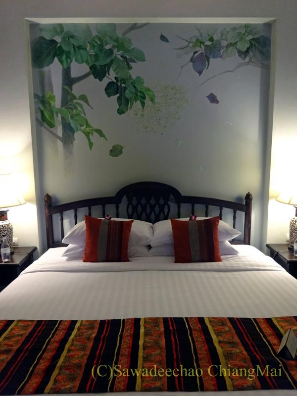 チェンマイにあるピンナカラブティックホテル&スパのベッド