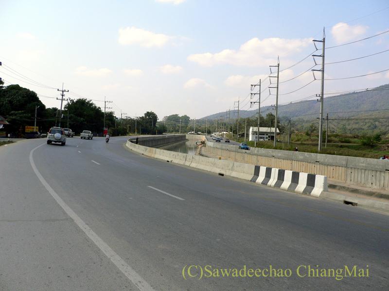 チェンマイ西部を走る国道3035号線