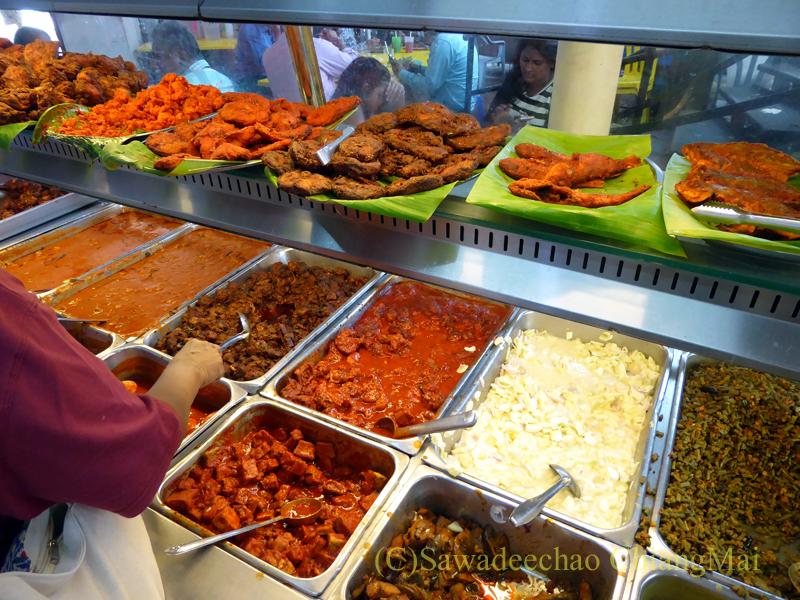 クアラルンプールのインド料理レストラン、Restoran Sri Kortumalai Pillayarの料理のバット