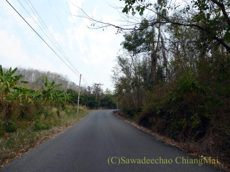 メーカーン渓谷のドライブコースの道路