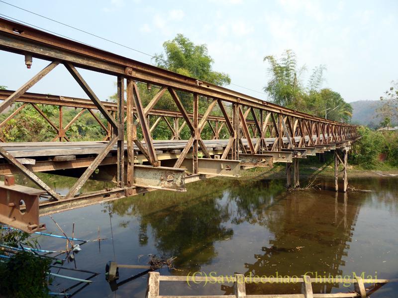 メーカーン渓谷のドライブコースにある橋の概観