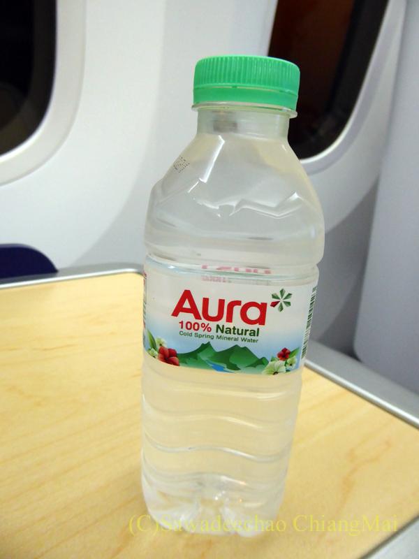 ANA全日空NH808便のビジネスクラスで出たウエルカムドリンク