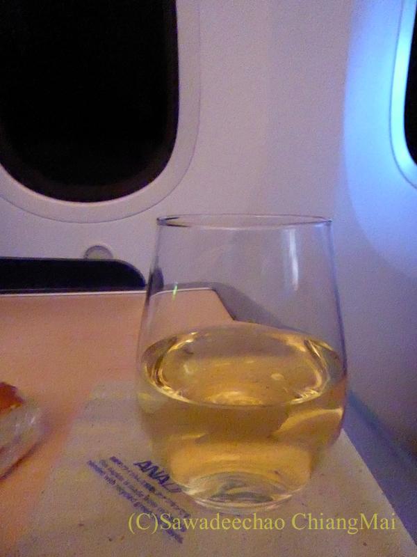 ANA全日空NH808便のビジネスクラスで出たシャンパン