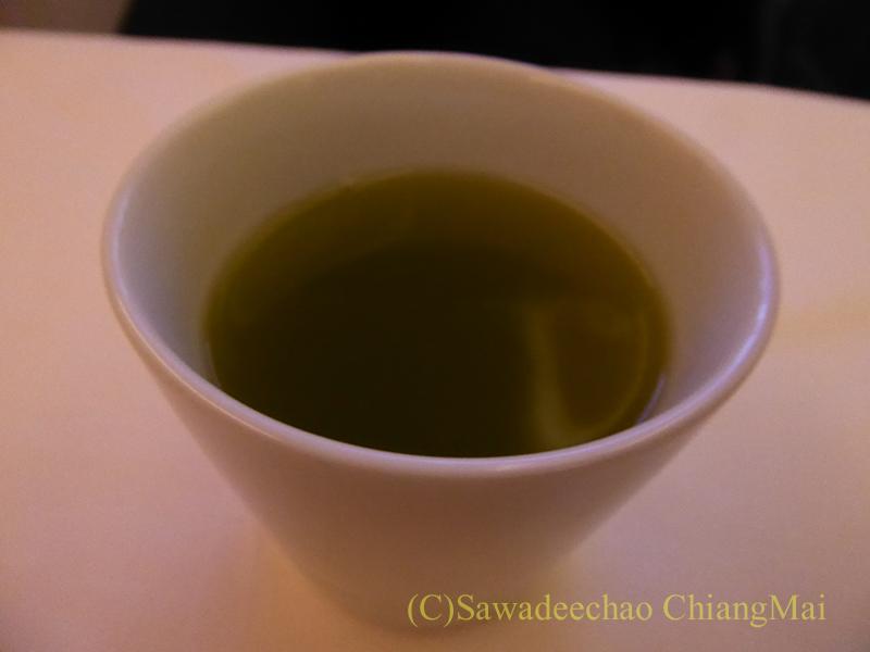 ANA全日空NH808便のビジネスクラスで出た日本茶