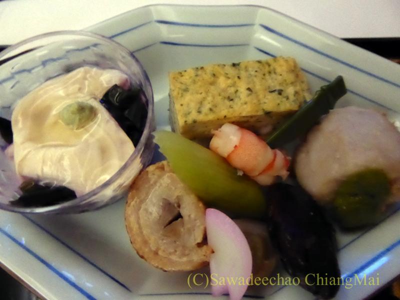 ANA全日空NH877便のビジネスクラスで出た機内食の前菜