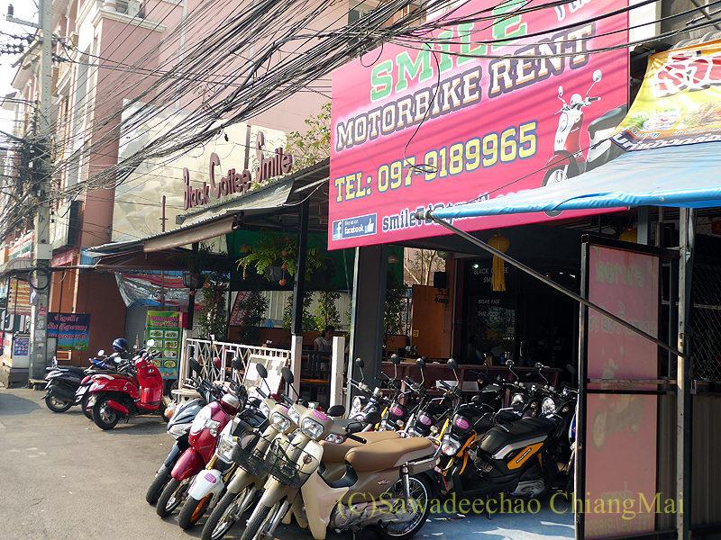 チェンマイにあるアーケードバスターミナルそばのレンタルバイク屋