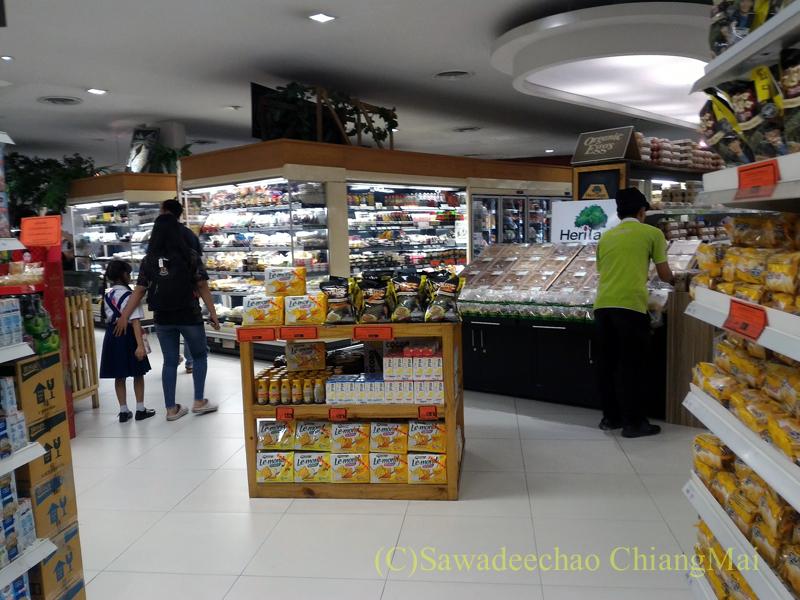 チェンマイの最高級スーパー「リムピンスーパーマーケット」ナワラット店の内部