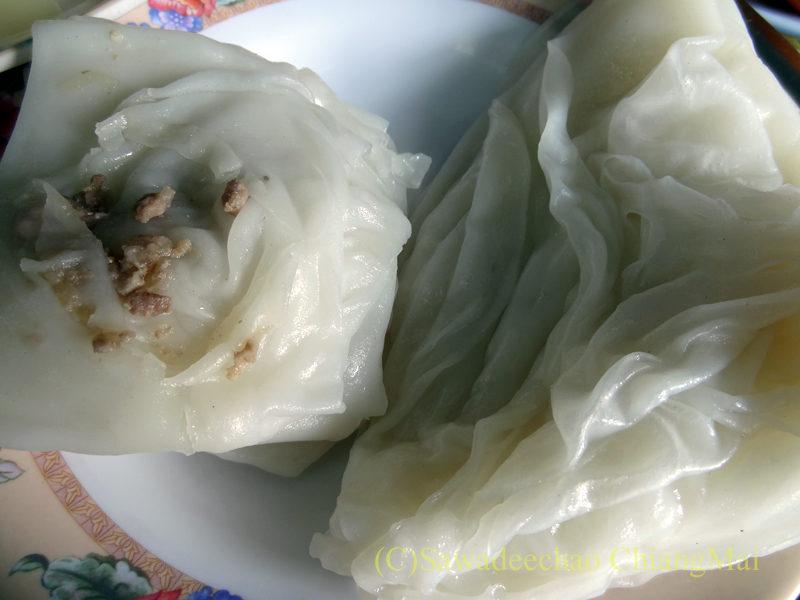 タイ最北端の街メーサーイの家で食べたタイヤイ(シャン族)料理のカーオソーイノーイ