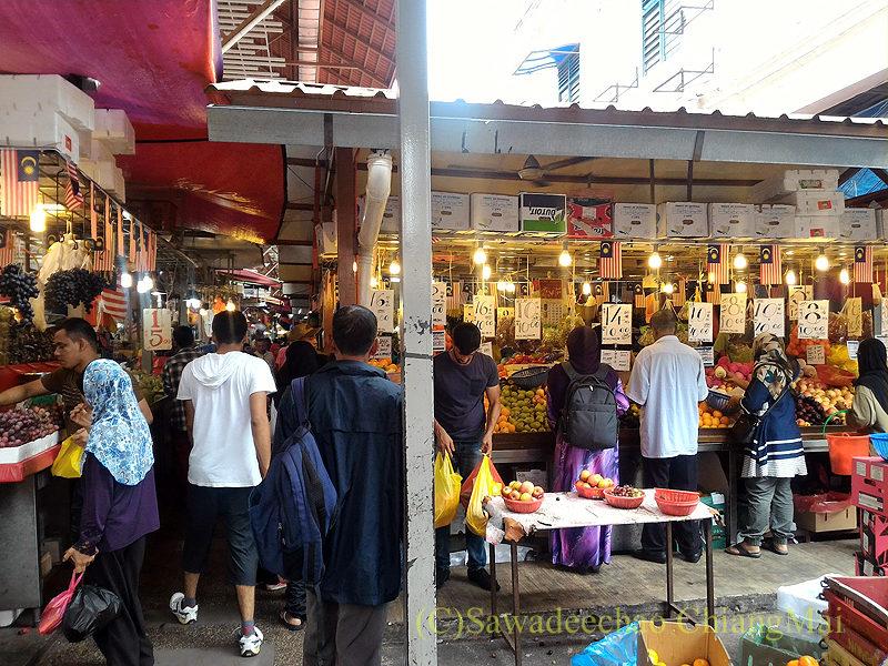 マレーシアのクアラルンプールにあるチョウキット市場の入口
