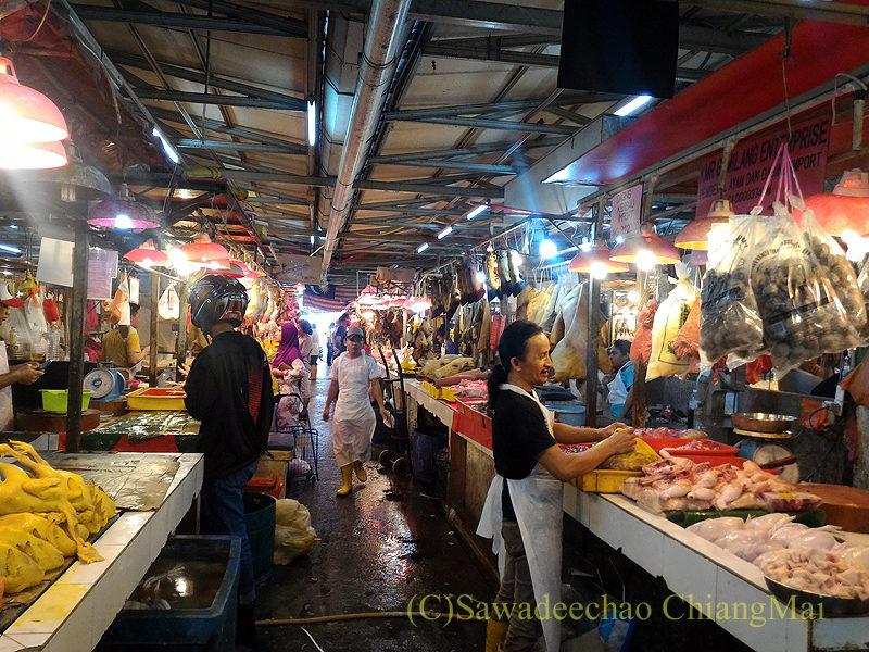 マレーシアのクアラルンプールにあるチョウキット市場の肉売場