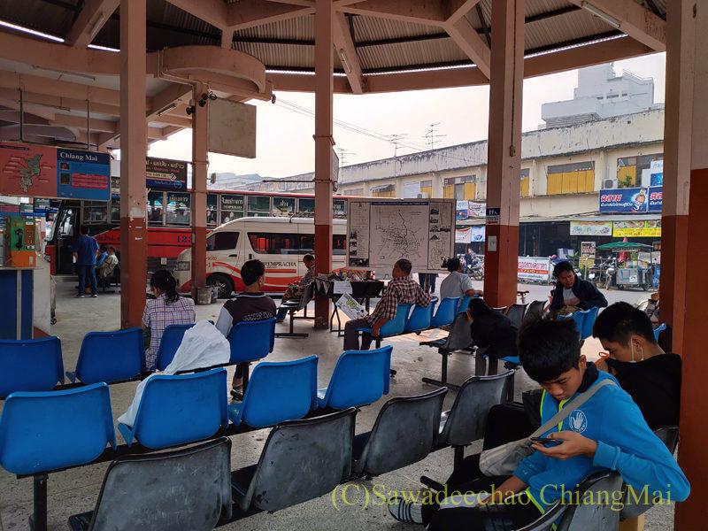 チェンマイにあるチャーンプアックバスターミナルの待ち合い所