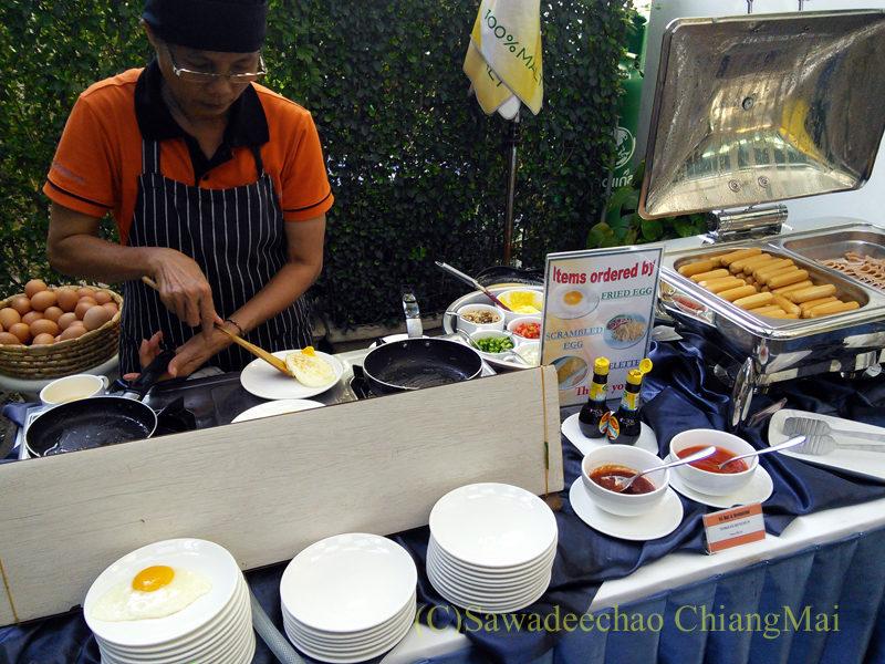 バンコクのホテル、アットマインドエグゼクティブスイーツの朝食キッチン