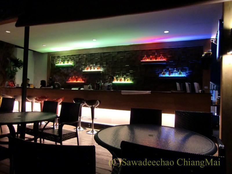 チェンマイの夜景がきれいなパブレストラン、ザナドゥー