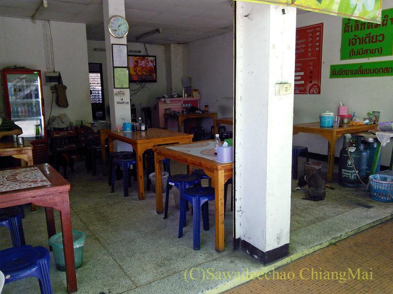 チェンマイの辛味スープ中華麺が絶品の店ティーレックの店舗概観