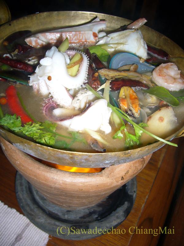 チェンマイの夜景が一望のレストラン、パラードタワンローンのポテーク
