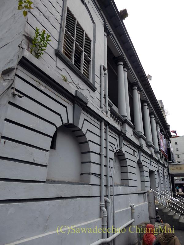 マレーシア、クアラルンプールのコロシアム映画館の側壁