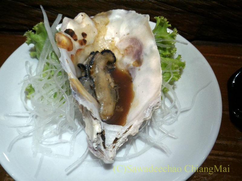 タイのバンコクにある海鮮居酒屋ハマ壱のカキの浜焼き