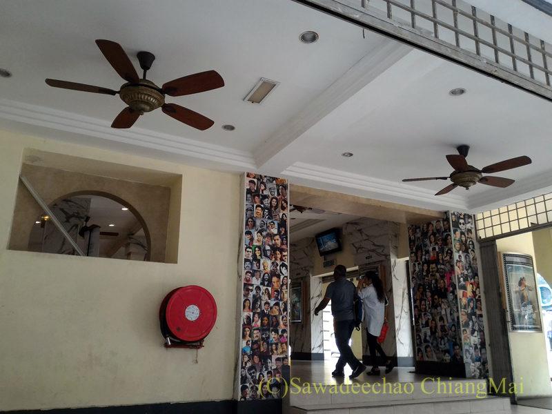 マレーシア、クアラルンプールのコロシアム映画館の内部