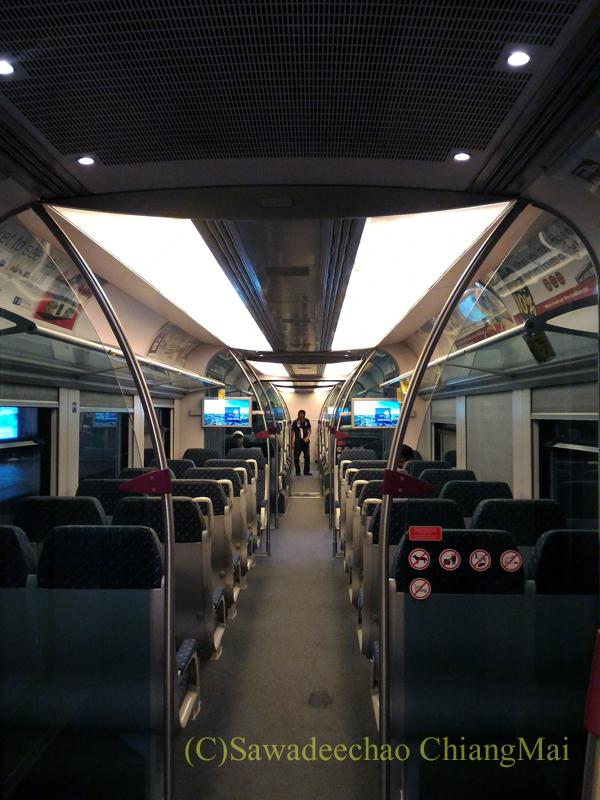 マレーシア・クアラルンプールの空港鉄道KLIAエクスプレスの車内