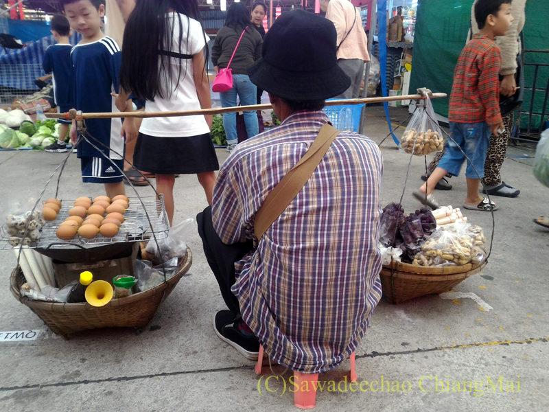 チェンマイのチンホー(隊商雲南人)金曜朝市の露店