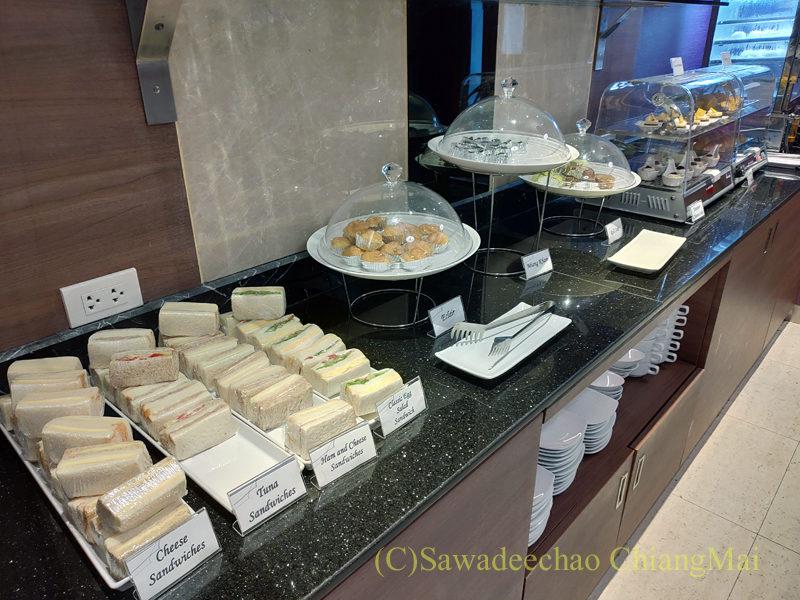 チェンマイ空港国際線ターミナルTGラウンジのサンドイッチコーナー