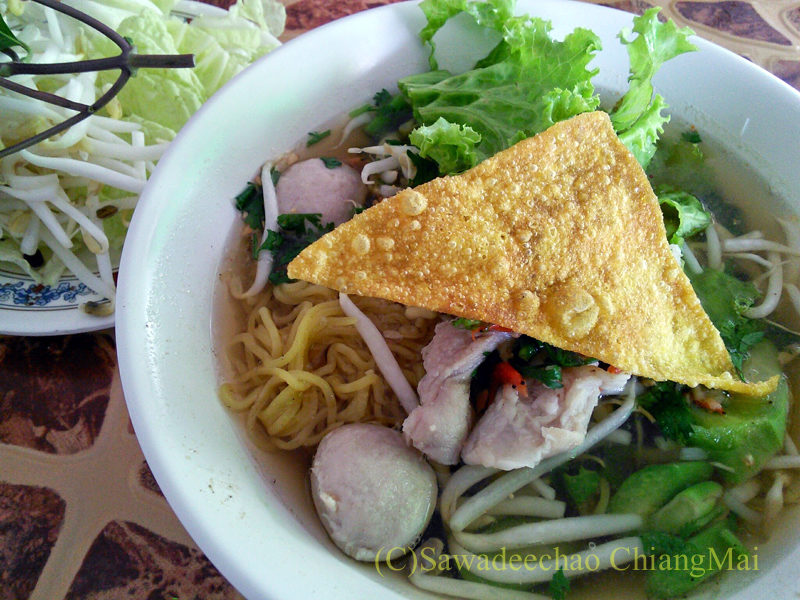 チェンマイの辛味スープ中華麺が絶品の店ティーレックのバミートムヤム